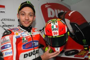We Ride Motorsports - Rossi Wears New Helmet As Tribute to Marco Simoncelli