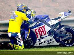 Rossi Says Goodbye to his Yamaha before going to Ducati